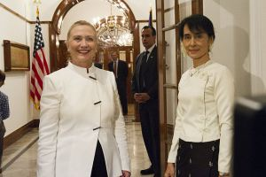 Clinton_and_Aung_San_Suu_Kyi