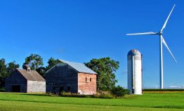 wind-turbine-farm-iowa-1170x706