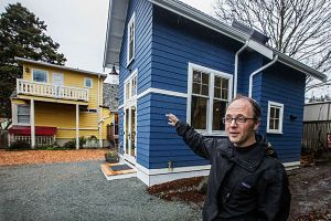 959808_1_0121-tiny-house-seattle_standard